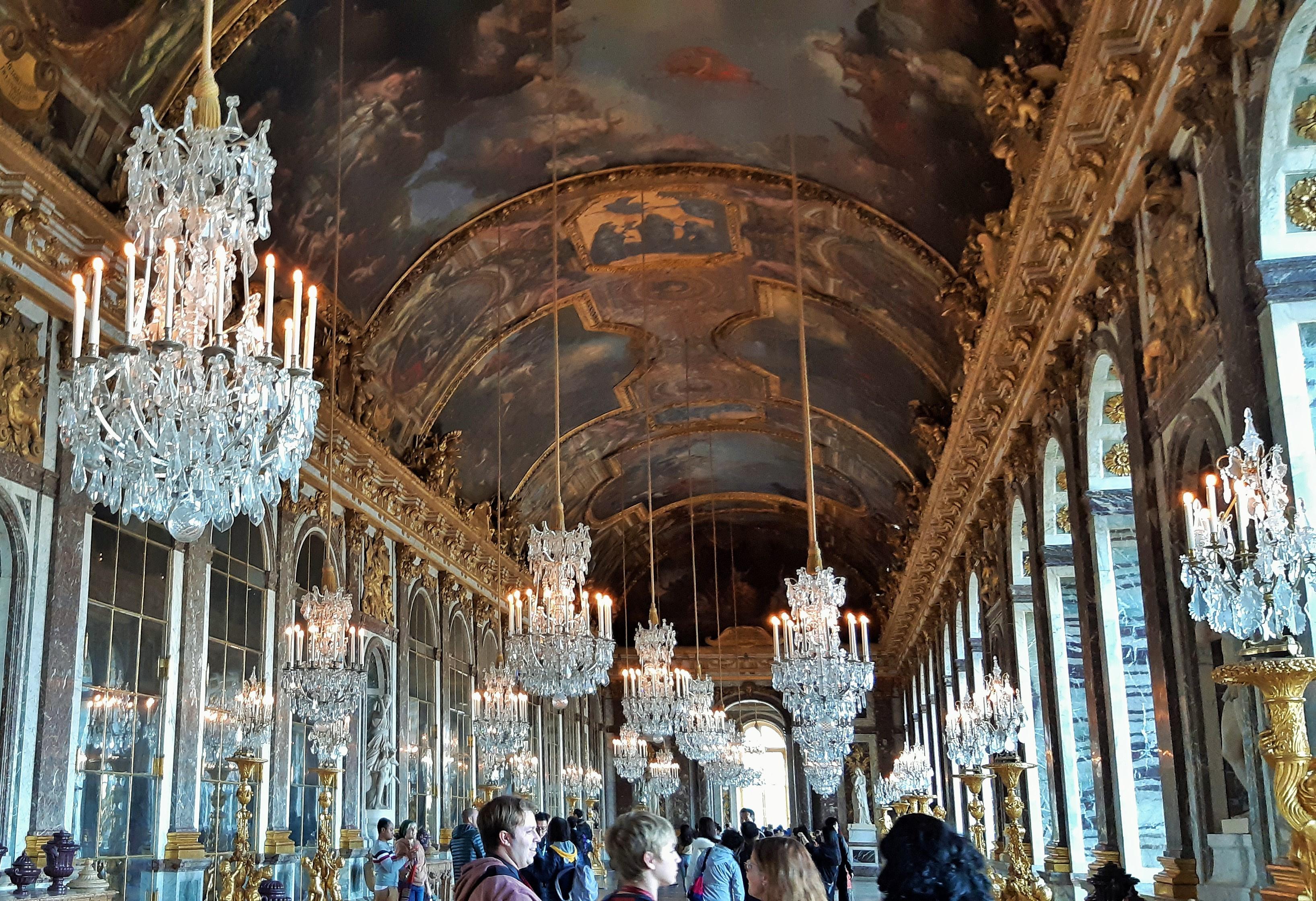 https://0901.nccdn.net/4_2/000/000/000/501/Versailles-3-3272x2240.jpg