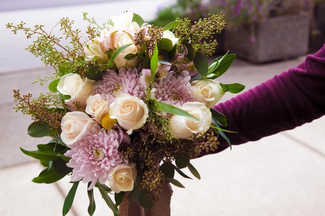 https://0901.nccdn.net/4_2/000/000/000/d41/port-alberni-wedding-florist-1201.jpg