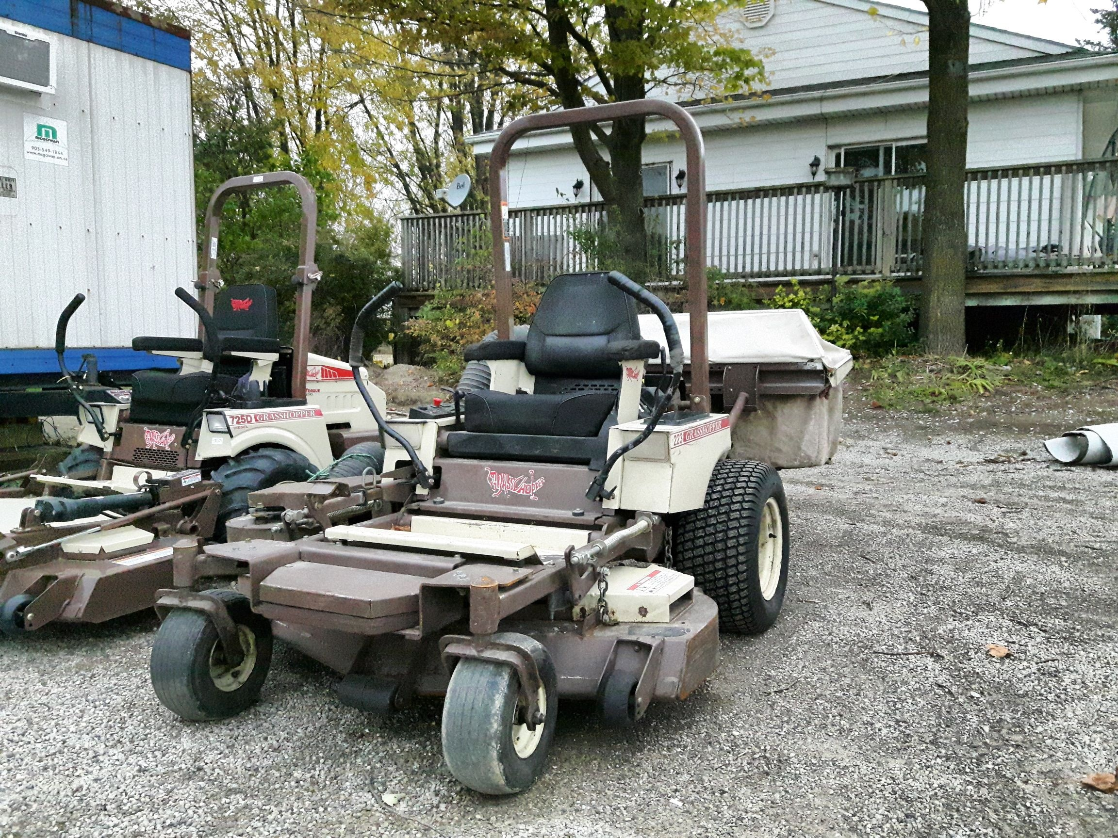 https://0901.nccdn.net/4_2/000/000/001/8df/used-grasshopper-mower-2304x1728.jpg