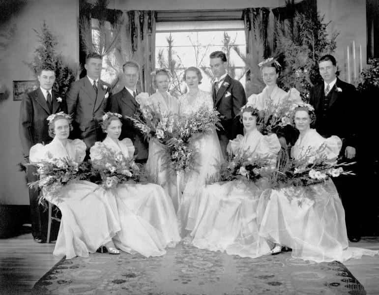 Elizabeth marries Duck Searle