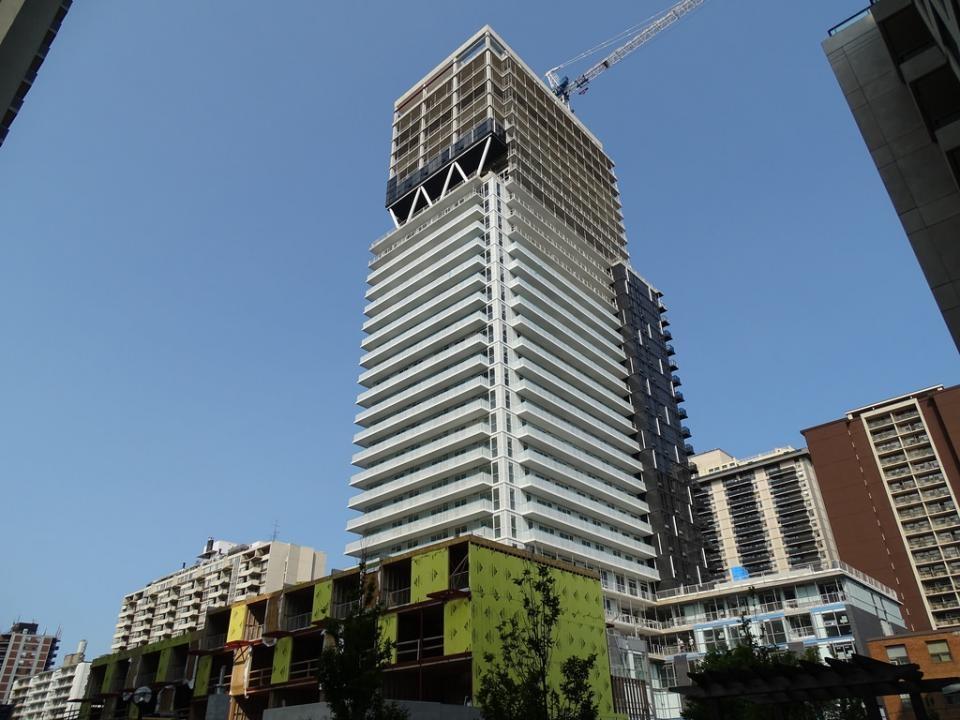 101 Erskine, Toronto