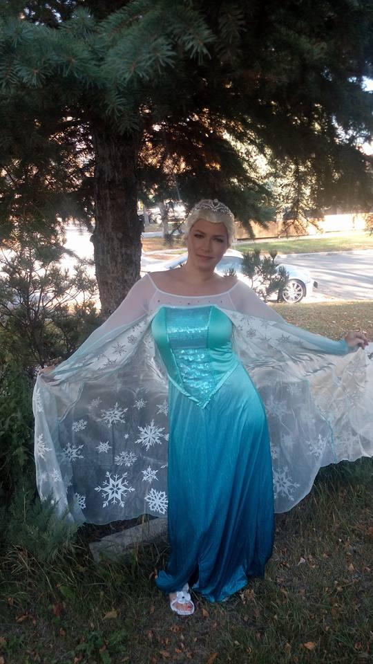 https://0901.nccdn.net/4_2/000/000/008/486/Elsa-Princess-540x960.jpg