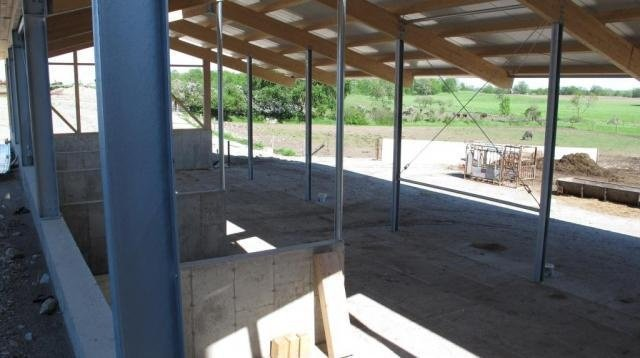 2013 Stirling - Calving barn