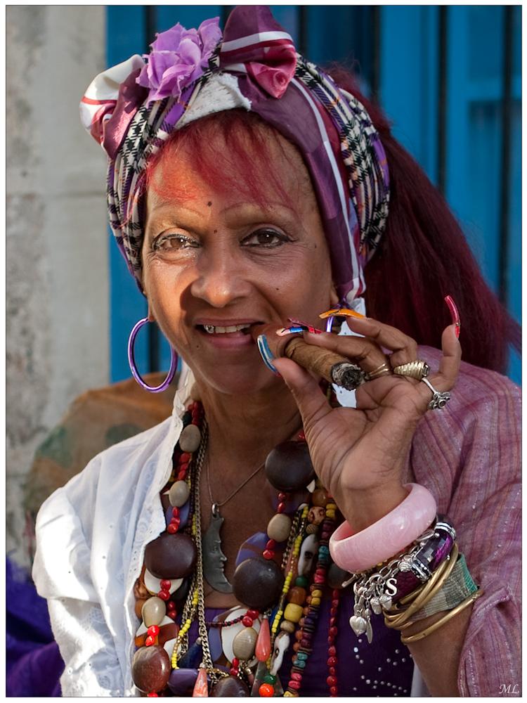 """""""Mention"""" lors du  100e Salon de la  SPAQ   La tireuse de tarot - La Havane - Février 2011"""