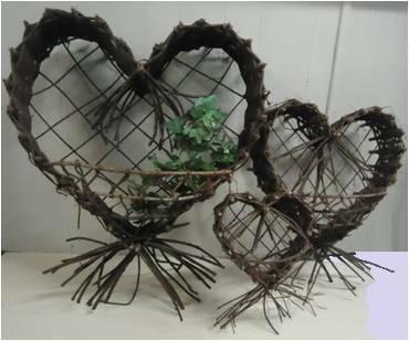 "PL611M Medium Wall hanging Heart shape Shrimp basket 18""x20""H"