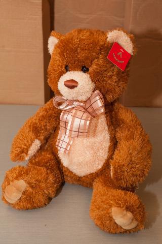 https://0901.nccdn.net/4_2/000/000/008/486/zb_port_alberni_stuffed_bears-4365.jpg