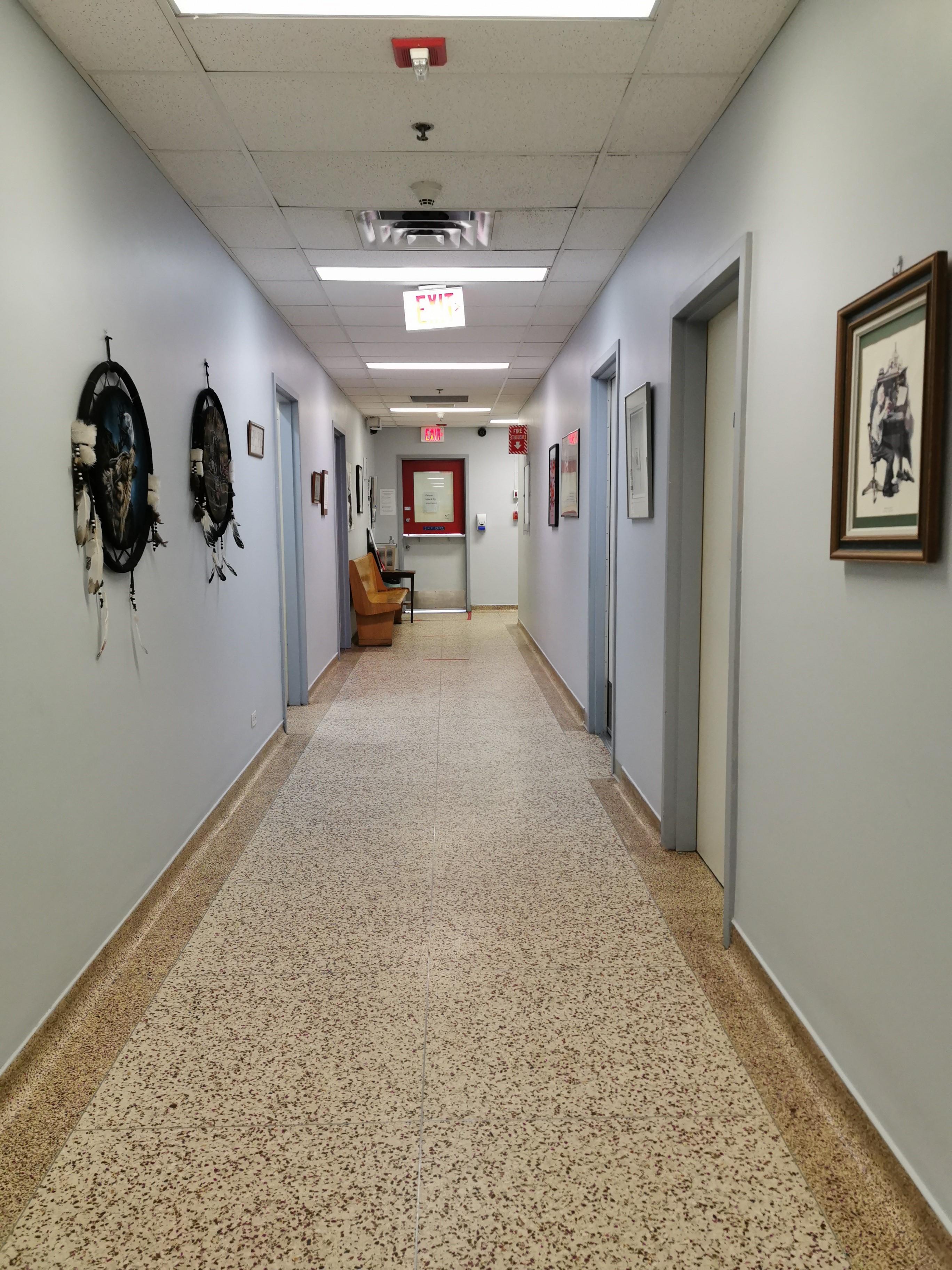 https://0901.nccdn.net/4_2/000/000/00a/0f6/SRP-Hallway-2.jpg