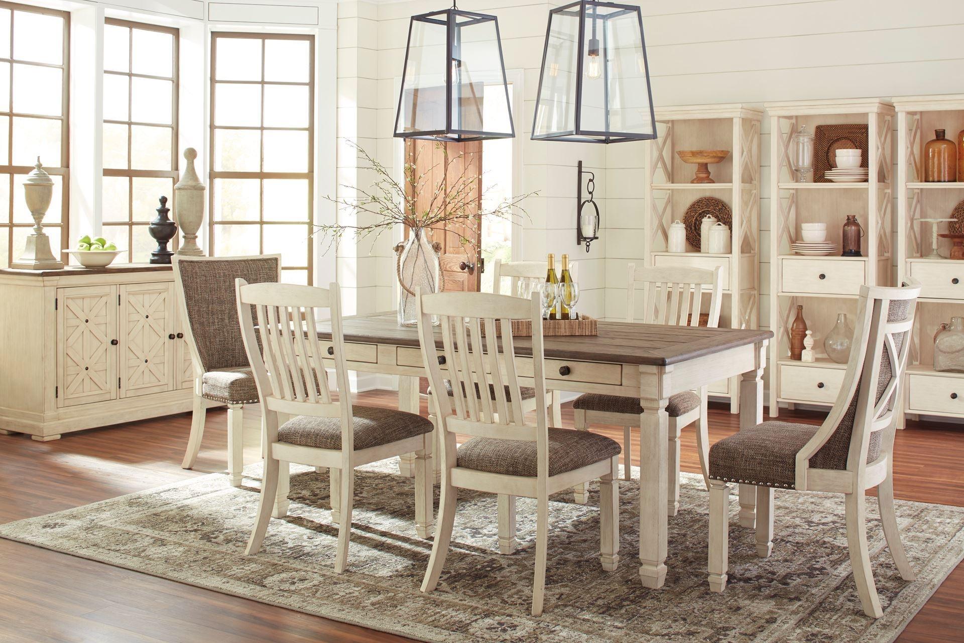 Table et 4 chaises dossier en bois 40 x 72 Chaises rembourrées Assorties Buffet assortis Possibilité de banc
