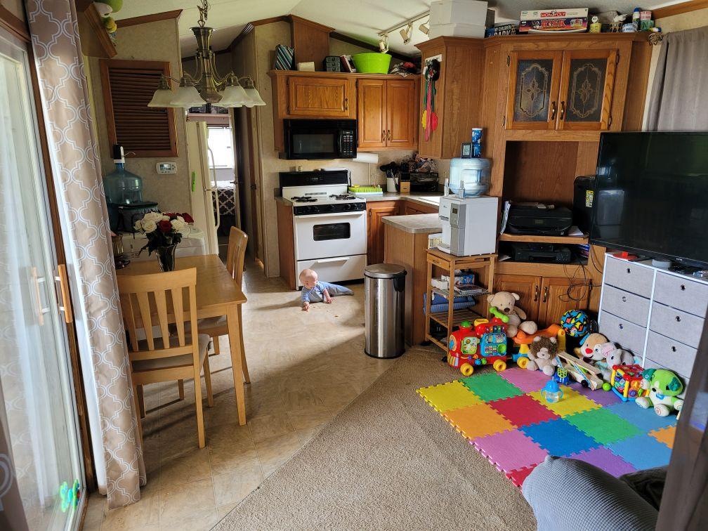 https://0901.nccdn.net/4_2/000/000/00d/f43/living-kitchen.jpg