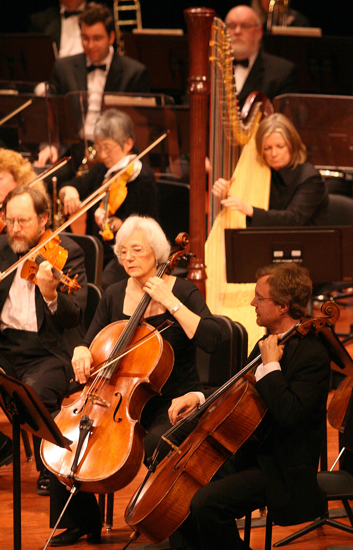 https://0901.nccdn.net/4_2/000/000/00f/745/edmonton-orchestra2.jpg