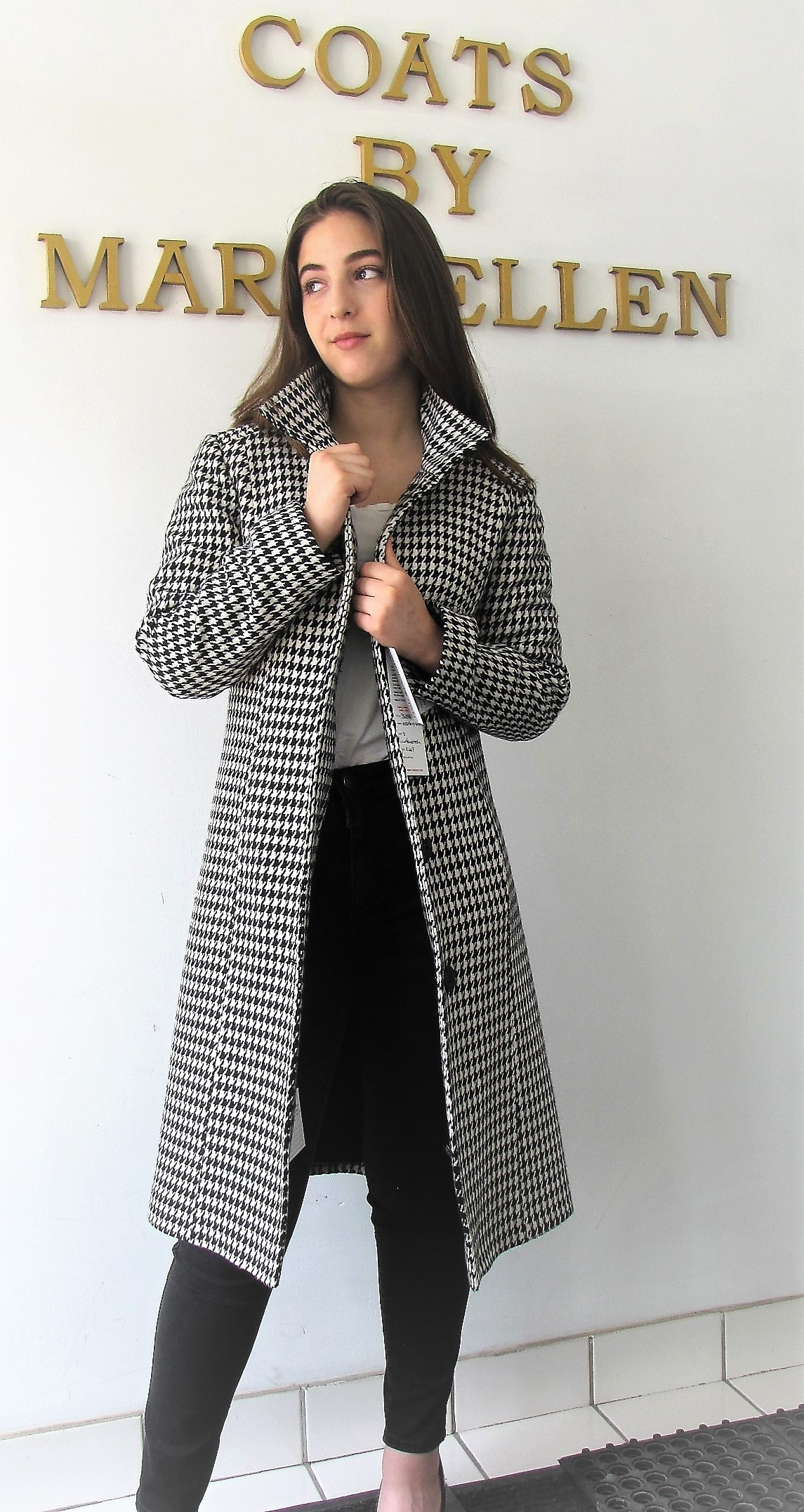 https://0901.nccdn.net/4_2/000/000/010/19b/B6385-7-Houndstooth-best-1145x2153.jpg