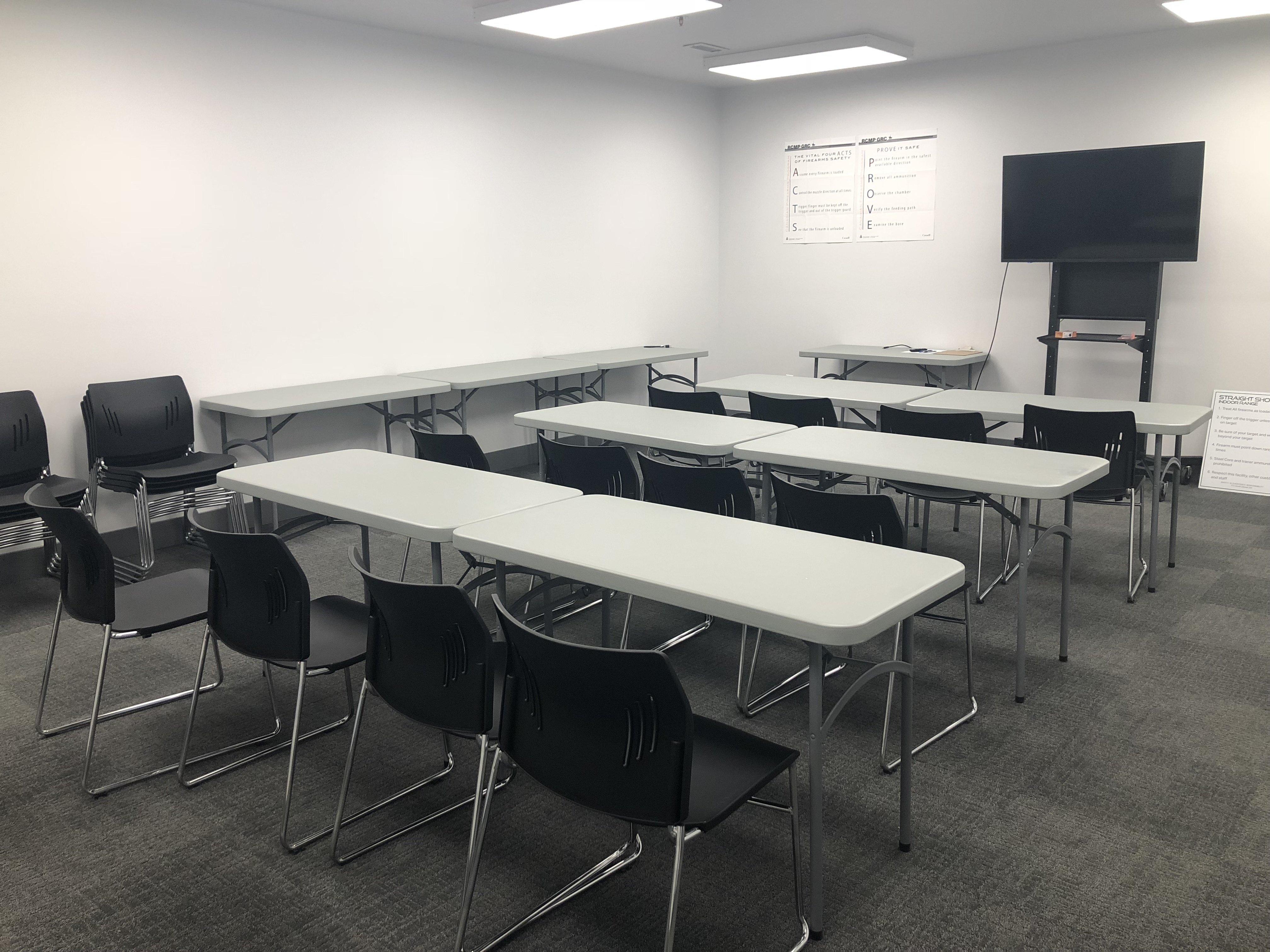 https://0901.nccdn.net/4_2/000/000/017/e75/Classroom-IMG-4032x3024.jpg