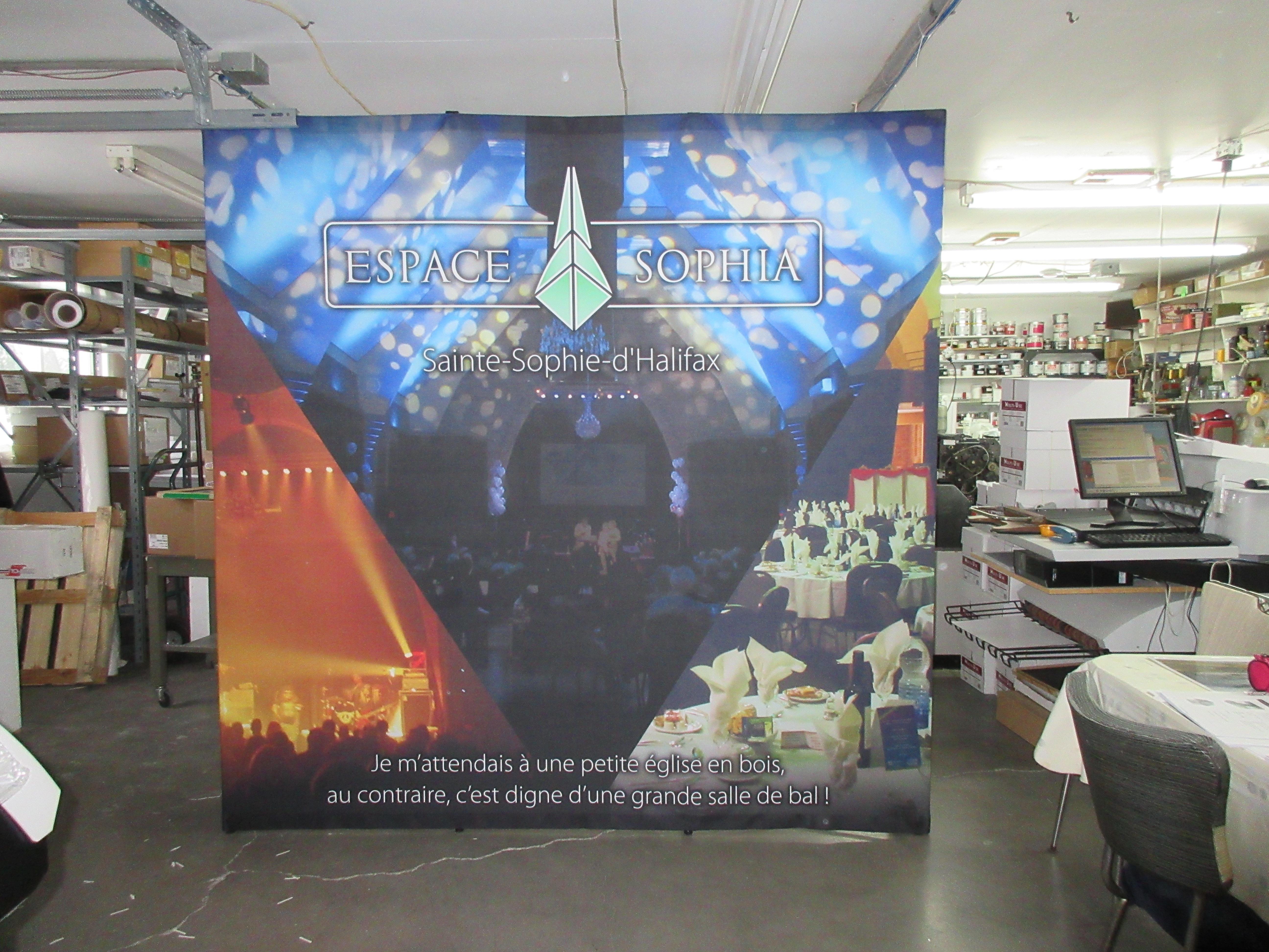 Murale rétractable en tissus
