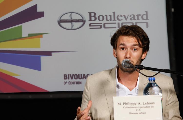 Présentation de  Philippe-A. Lehoux,  cofondateur et  président du C.A. du  Bivouac urbain, lors  de la Conférence de  presse sur le Bivouac  urbain  Québec 5  juillet 2011  TlX1479