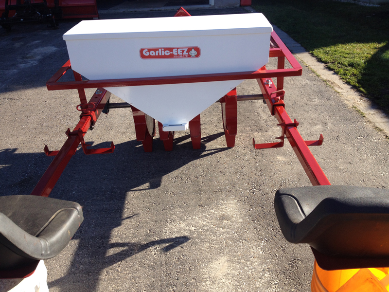 Dual Seat Garlic Planter