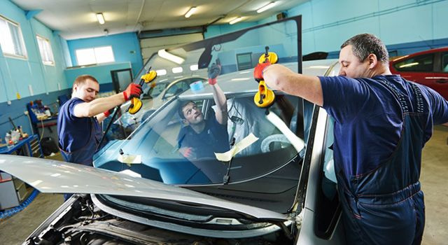 Car Windshield Installers