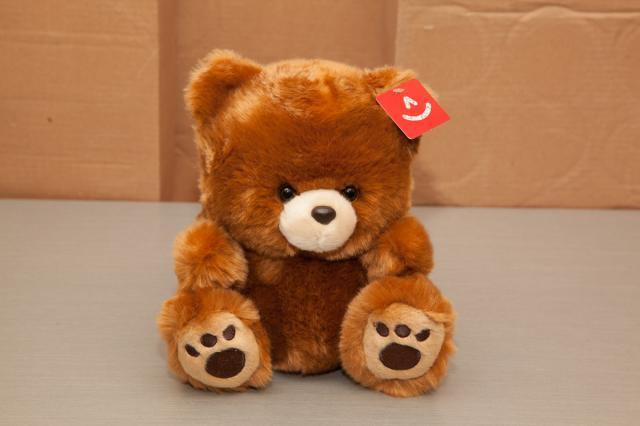 https://0901.nccdn.net/4_2/000/000/017/e75/zb_port_alberni_stuffed_bears-4386.jpg