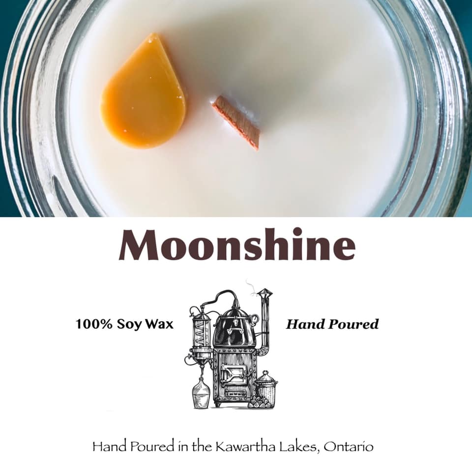 Just like the real mountain moonshine this scent comes in a mason jar.  Fruity, woody and a hint of vanilla with musty background notes makes this Tennessee Whiskey scented candle a must try! Cheers
