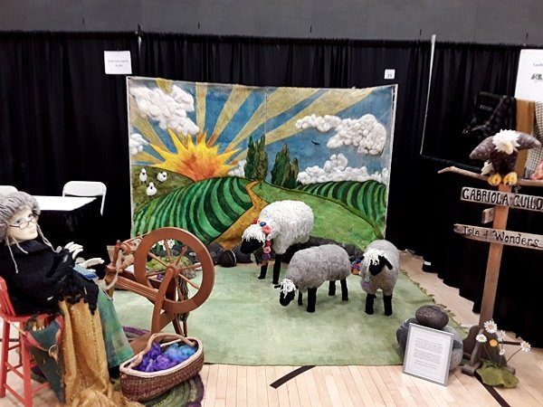 https://0901.nccdn.net/4_2/000/000/018/83c/2019Guild-booth-Gabriola-600x450.jpg