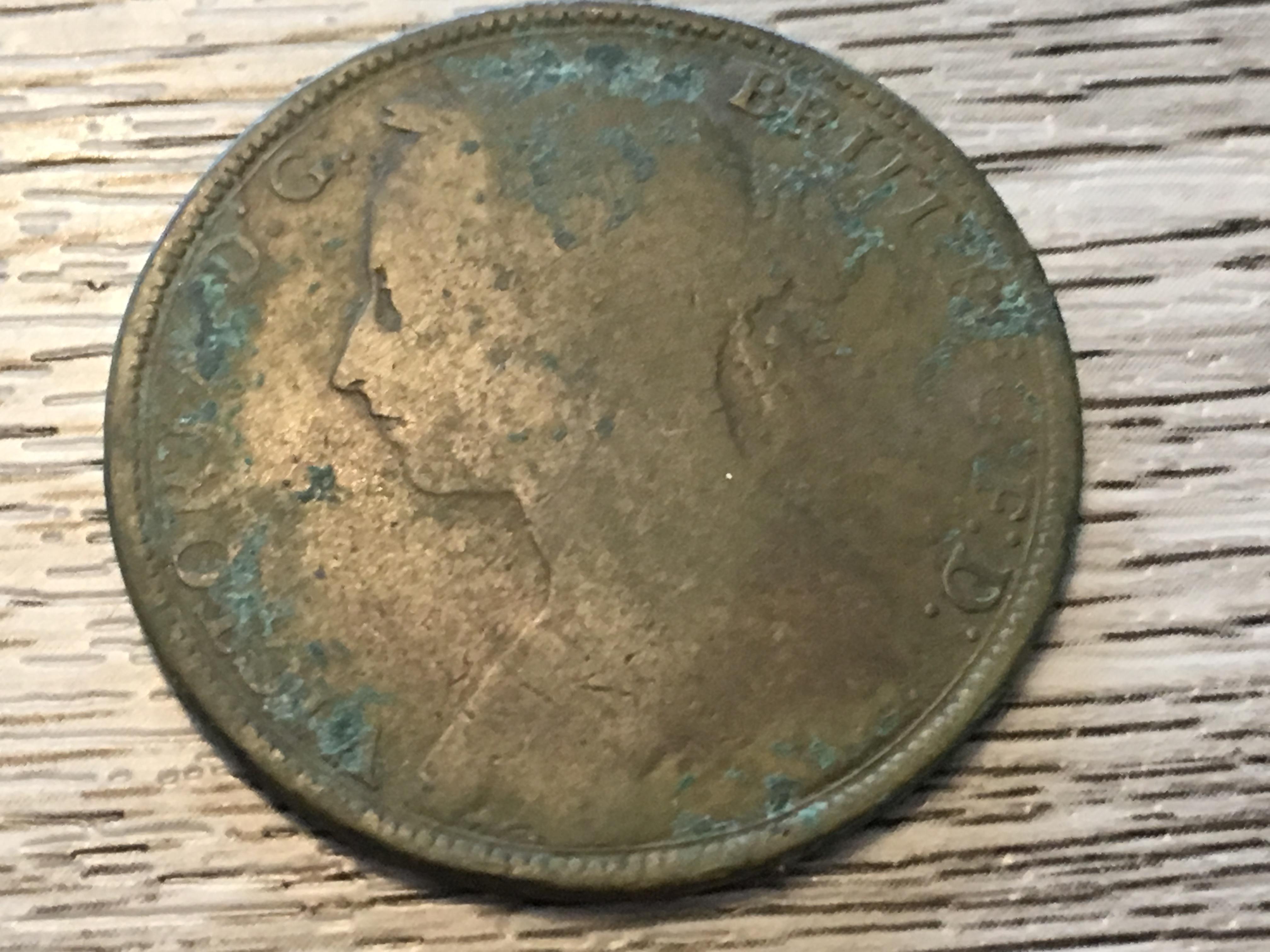 https://0901.nccdn.net/4_2/000/000/01e/20c/1892-Queen-Victoria-4032x3024.jpg
