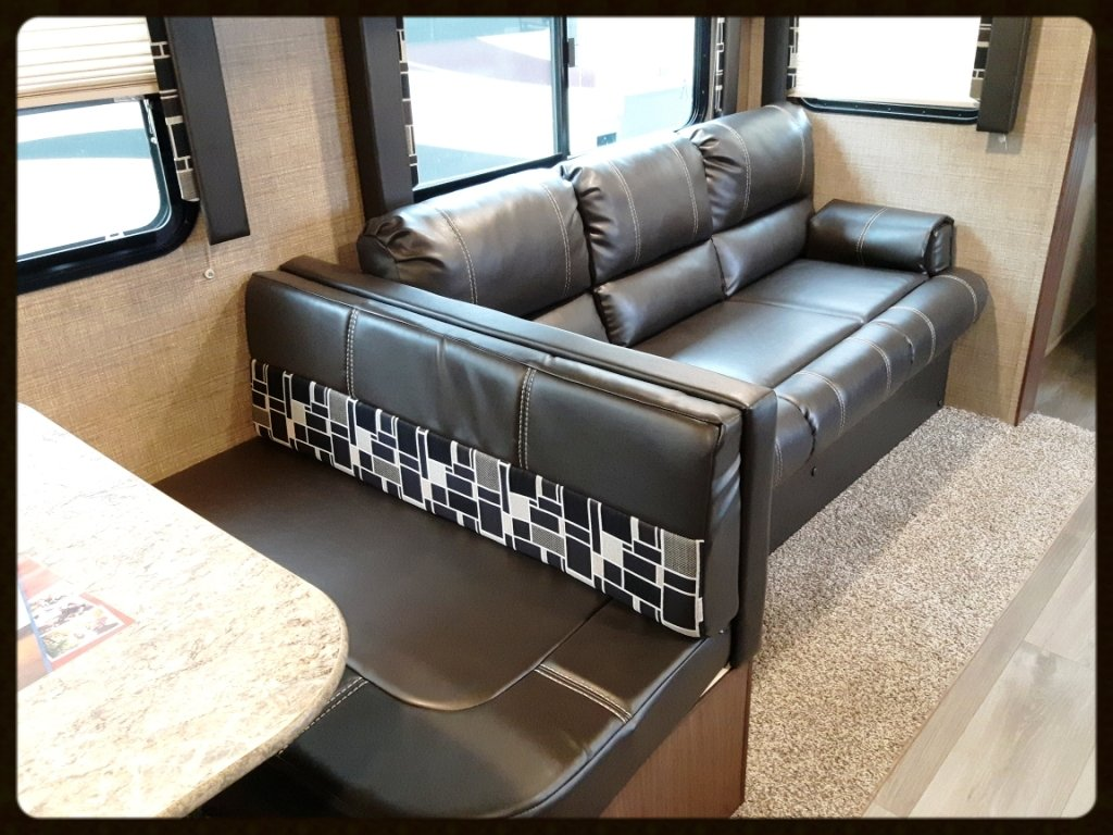 Coleman RV 3015BH interior