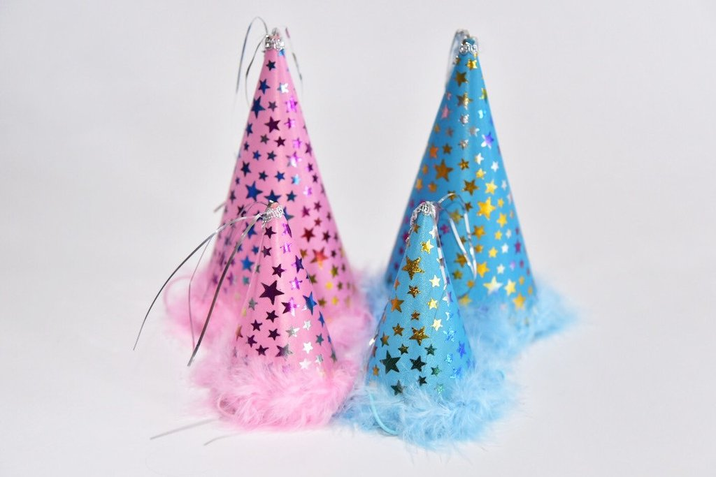 Party hats, available in 2 sizes
