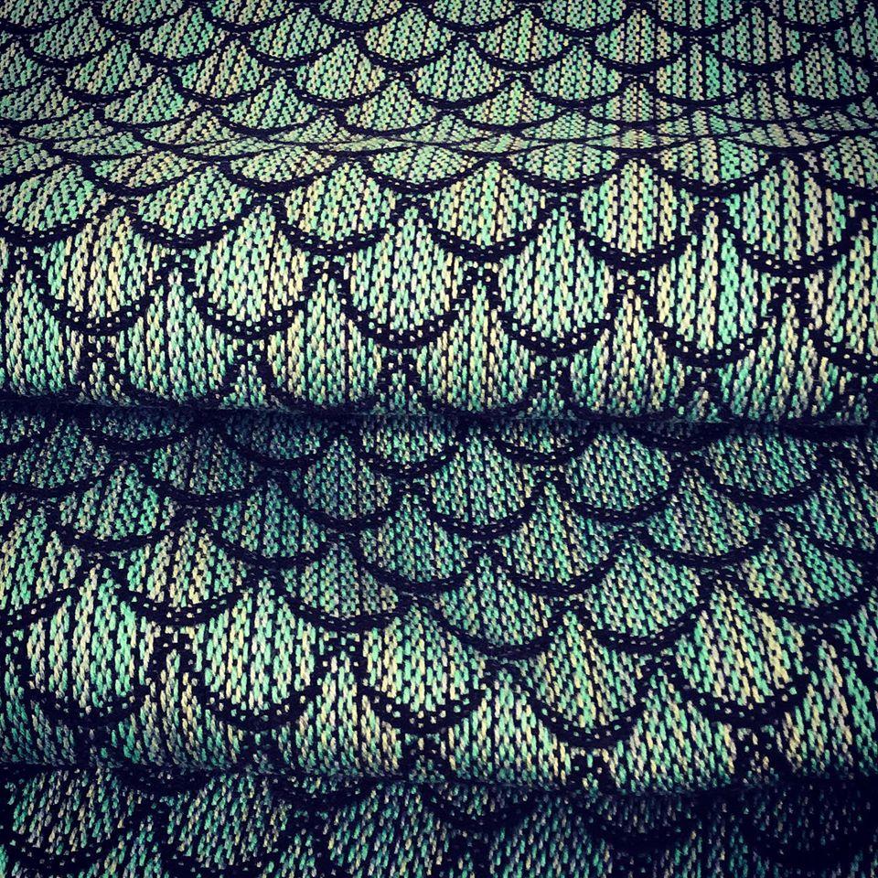 Laura beautifully woven mermaid pattern.