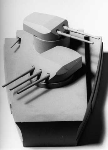 Some 15 years ago a German model builder, Mr. Lohberger (†), produced for Erwin Sieche a demonstration model of the forward turret section in the scale 1:100 and turrets in 1:50.