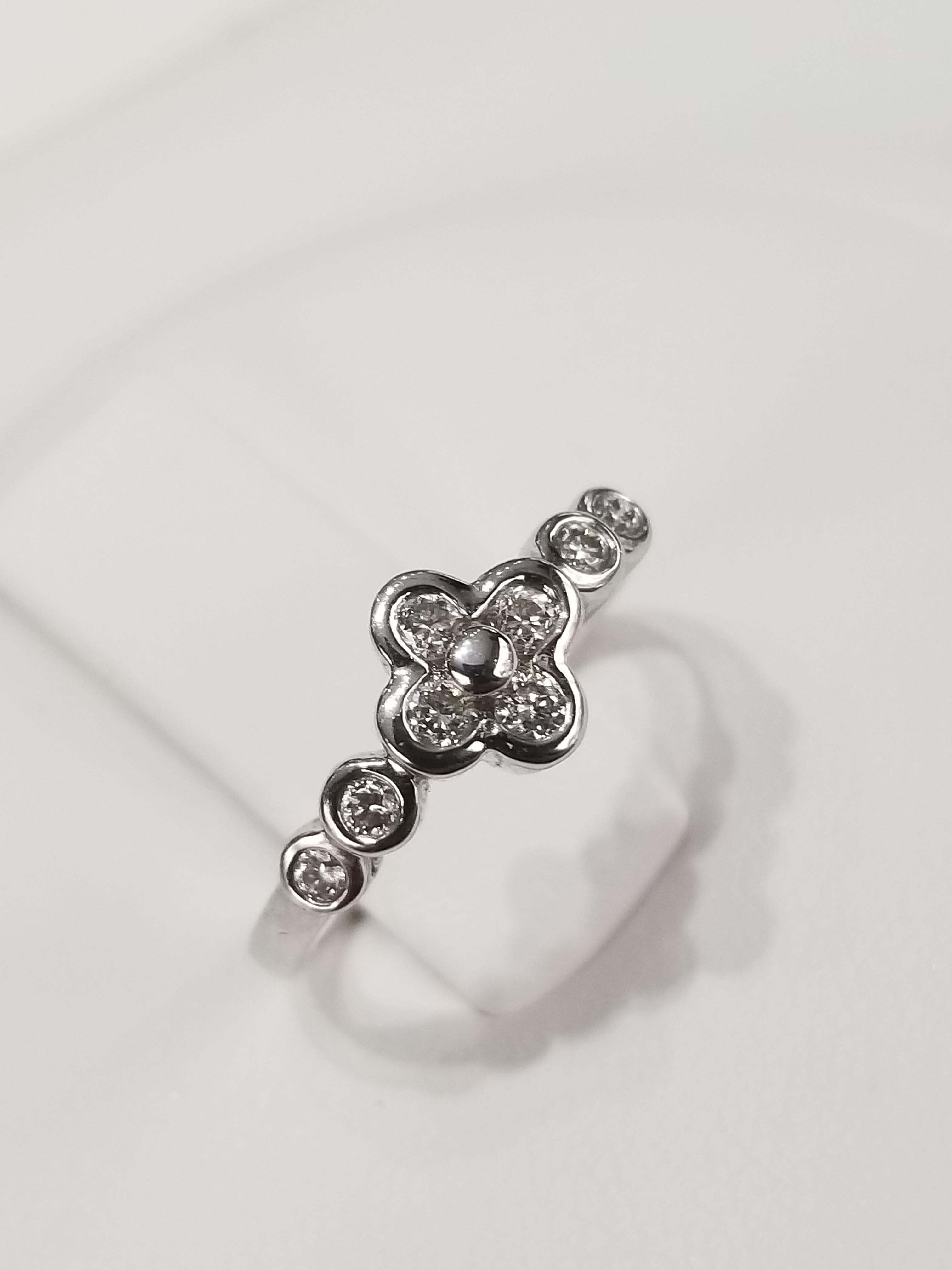 18K White Gold Diamonds: 0.30ct Regular Price $2100 SALE $595 Ref: BK320