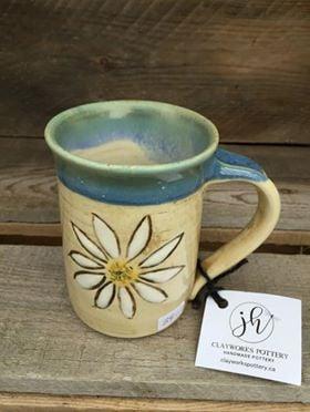 "Daisy Mug 3"" x 4.25"" $34"