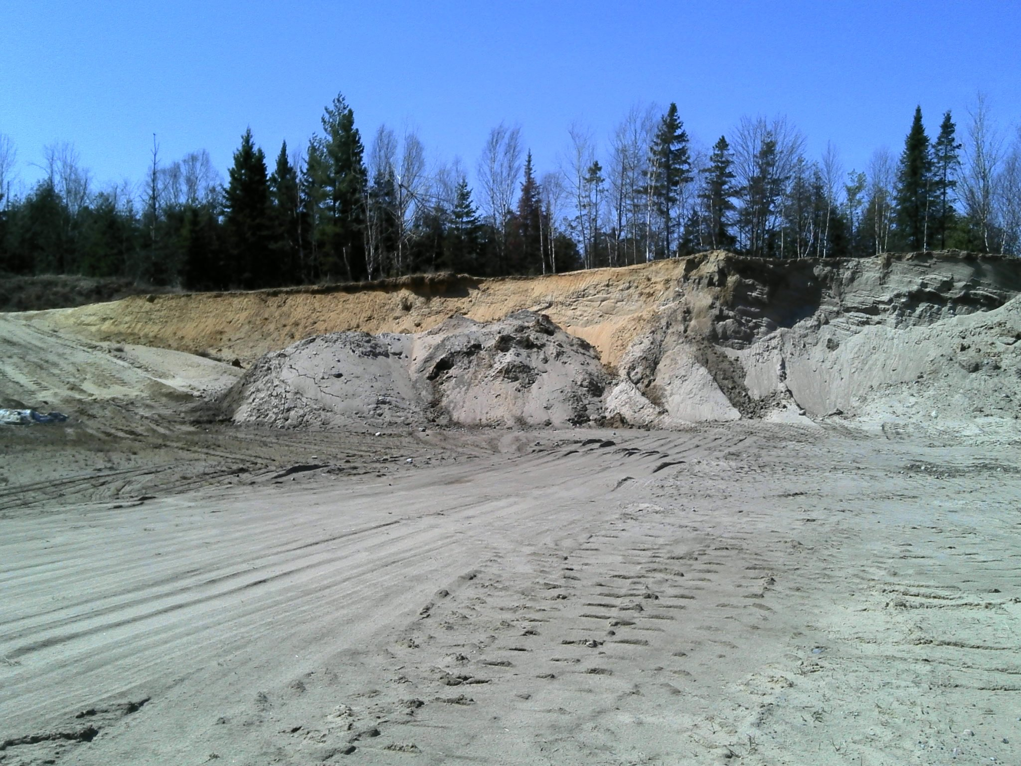 Pit face and soil horizon assessment in sand pit