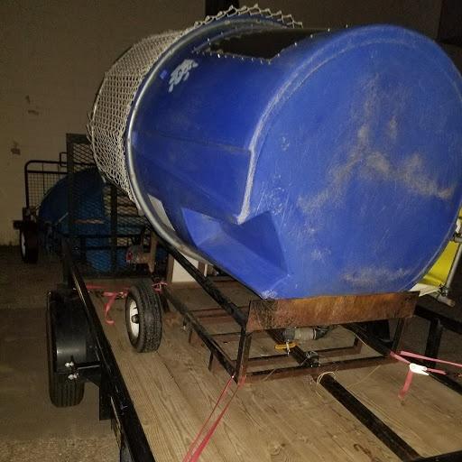 Dunk tank in transport mode
