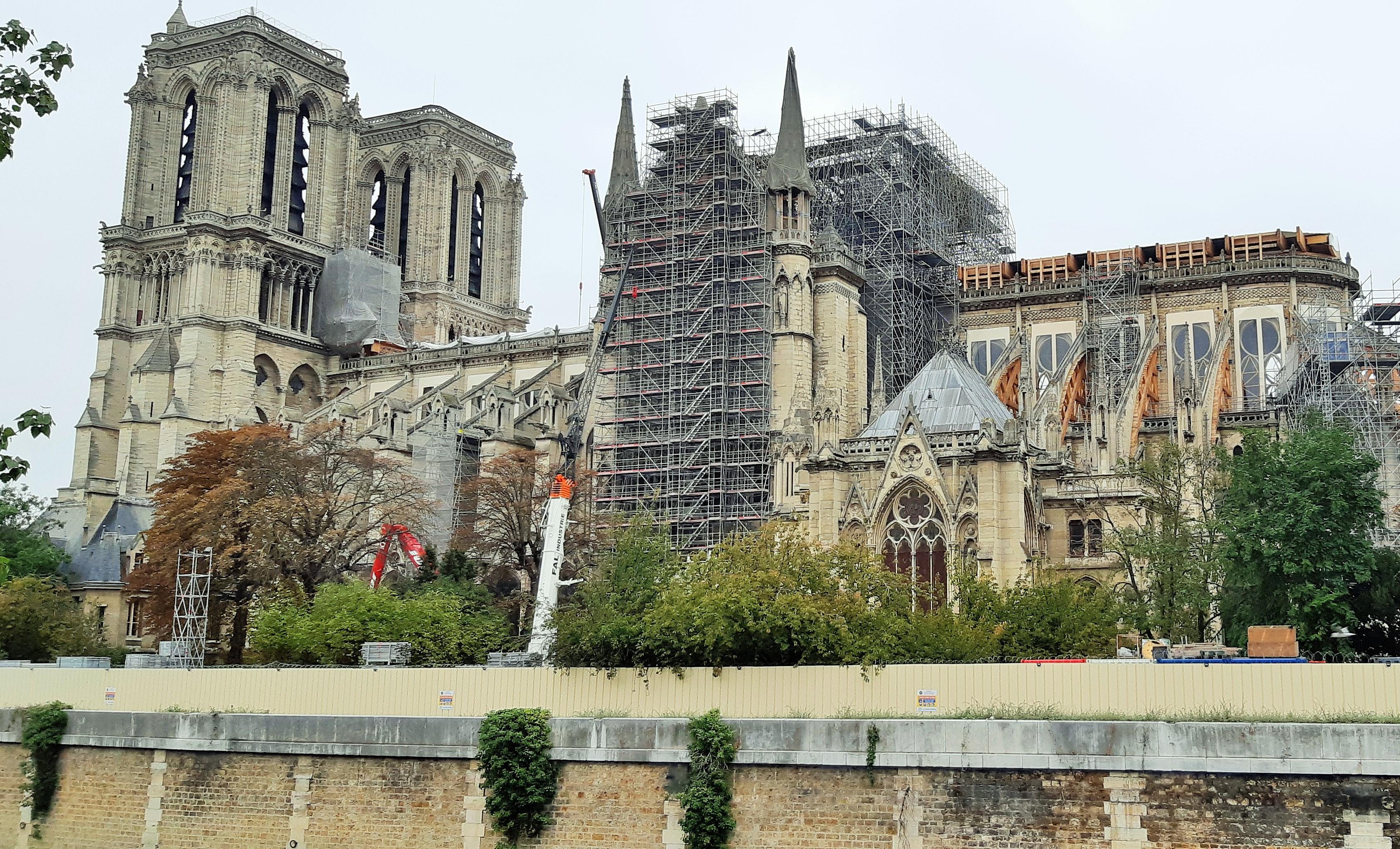 https://0901.nccdn.net/4_2/000/000/038/2d3/Notre-Dame---3-3369x2042.jpg