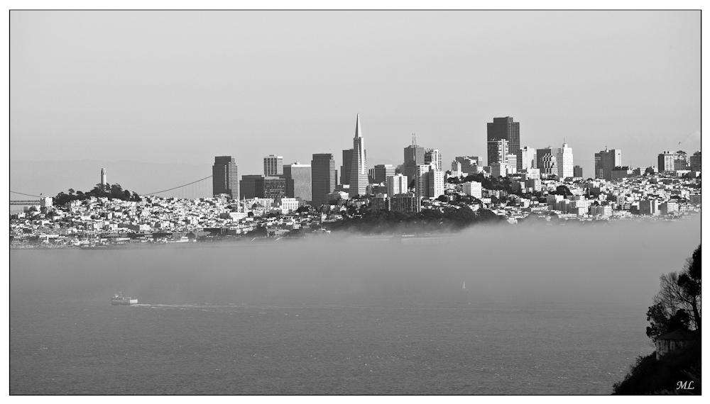 San Francisco, vue du  Golden Bridge dans le  brouillard  - Février  2010