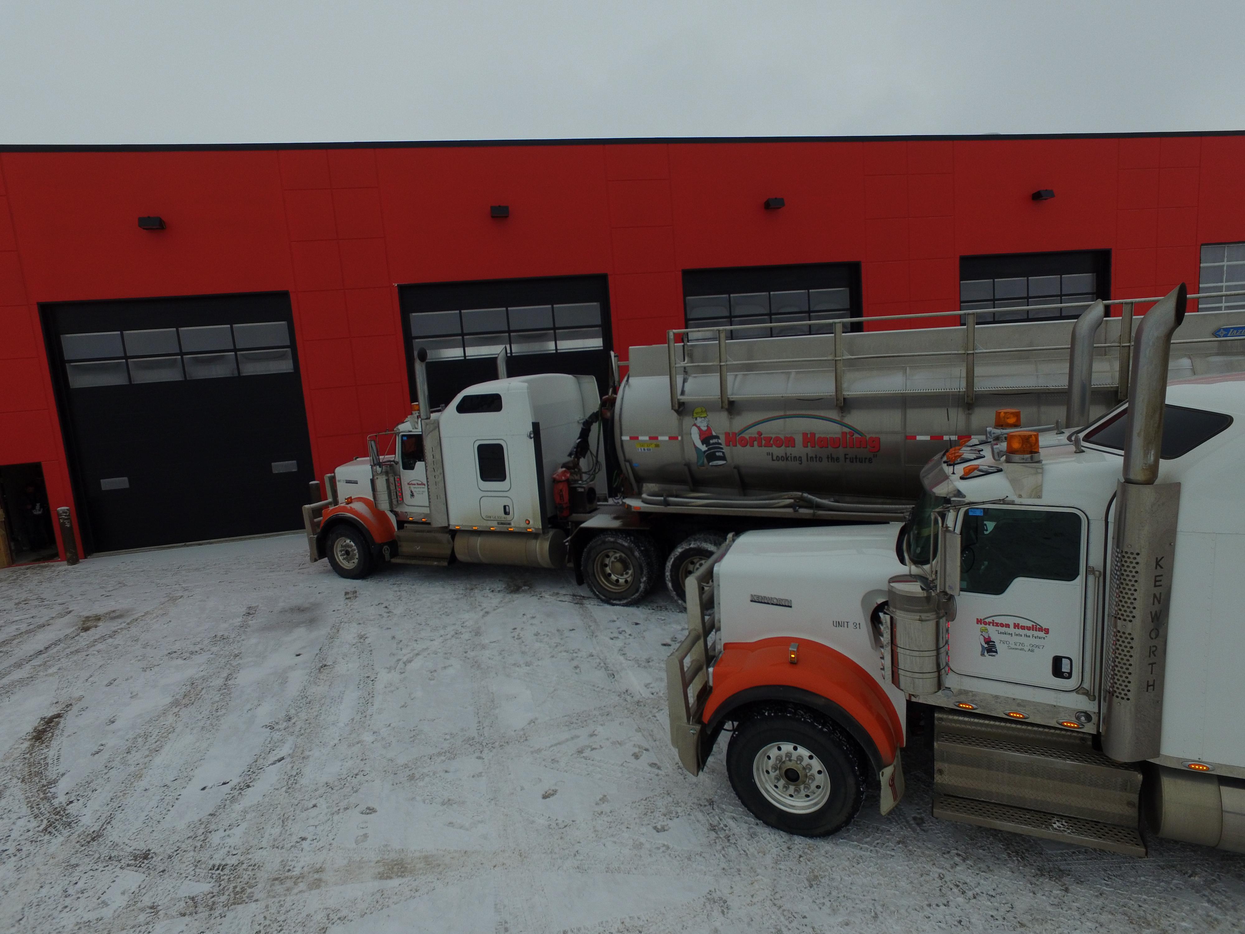 https://0901.nccdn.net/4_2/000/000/038/2d3/Trucks-on-side-of-shop-4000x3000.jpg