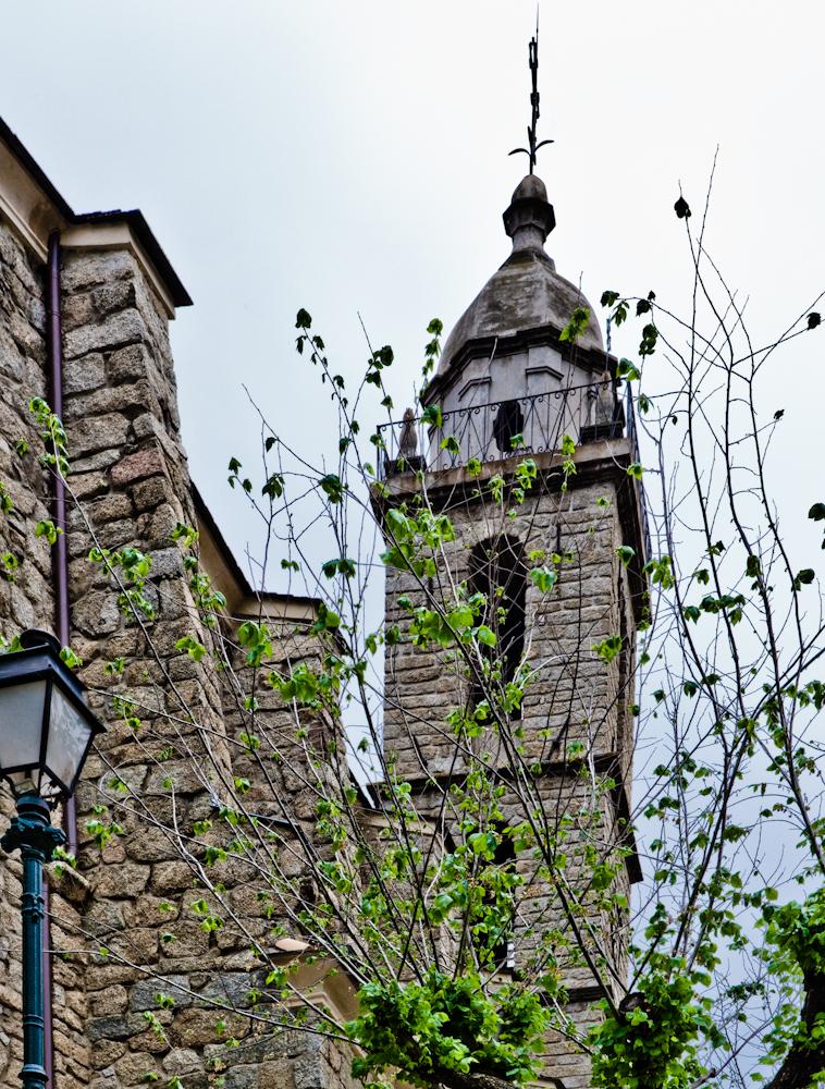 Église très moderne  datant du XVIIIe siècle à Sartène Sud  corse - Avril 2010