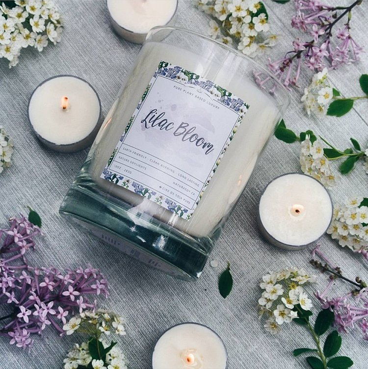 Lilac petals and sweet honeysuckle bloom with hints of ylang ylang, and sheer vetiver mist.