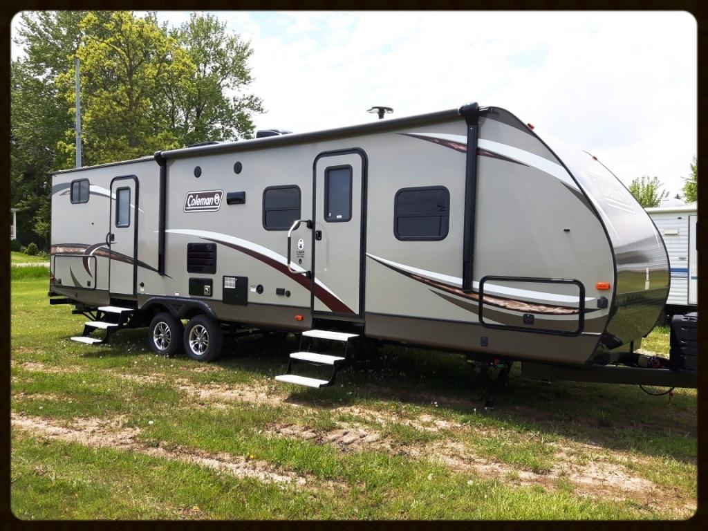 Dutchmen Coleman 3015BH travel trailer