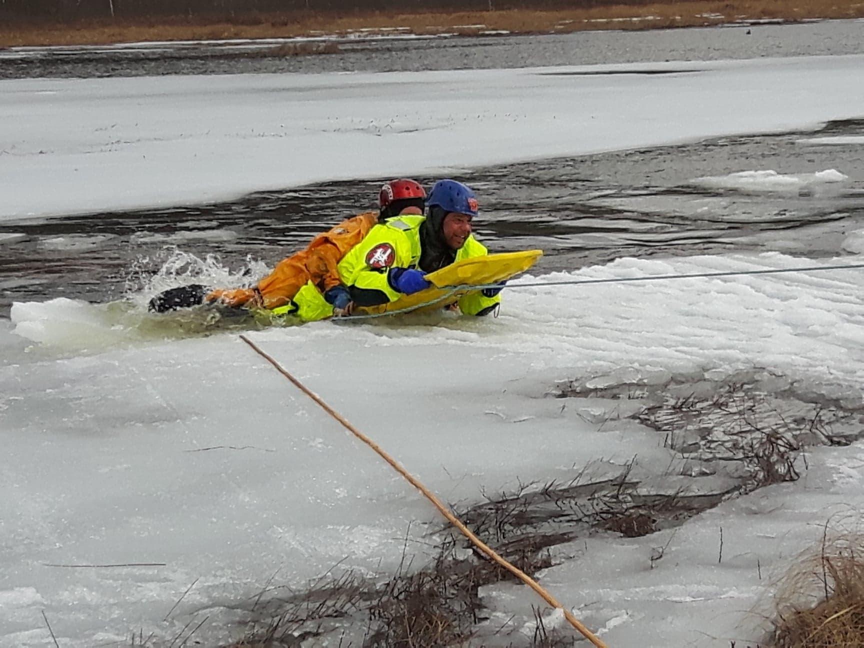 https://0901.nccdn.net/4_2/000/000/038/2d3/johny-getting-rescued-1728x1296.jpg