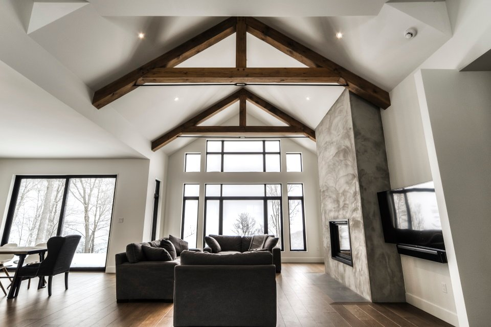 https://0901.nccdn.net/4_2/000/000/038/2d3/timber-frame-interior_770.jpg