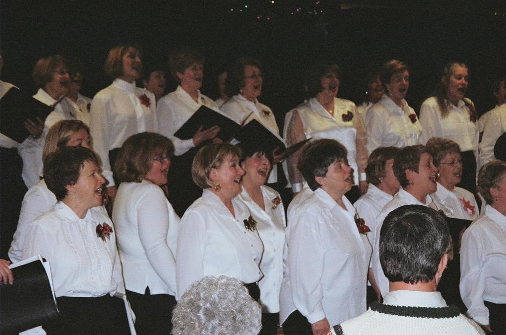 https://0901.nccdn.net/4_2/000/000/03f/ac7/2004_christmas_concert.jpg