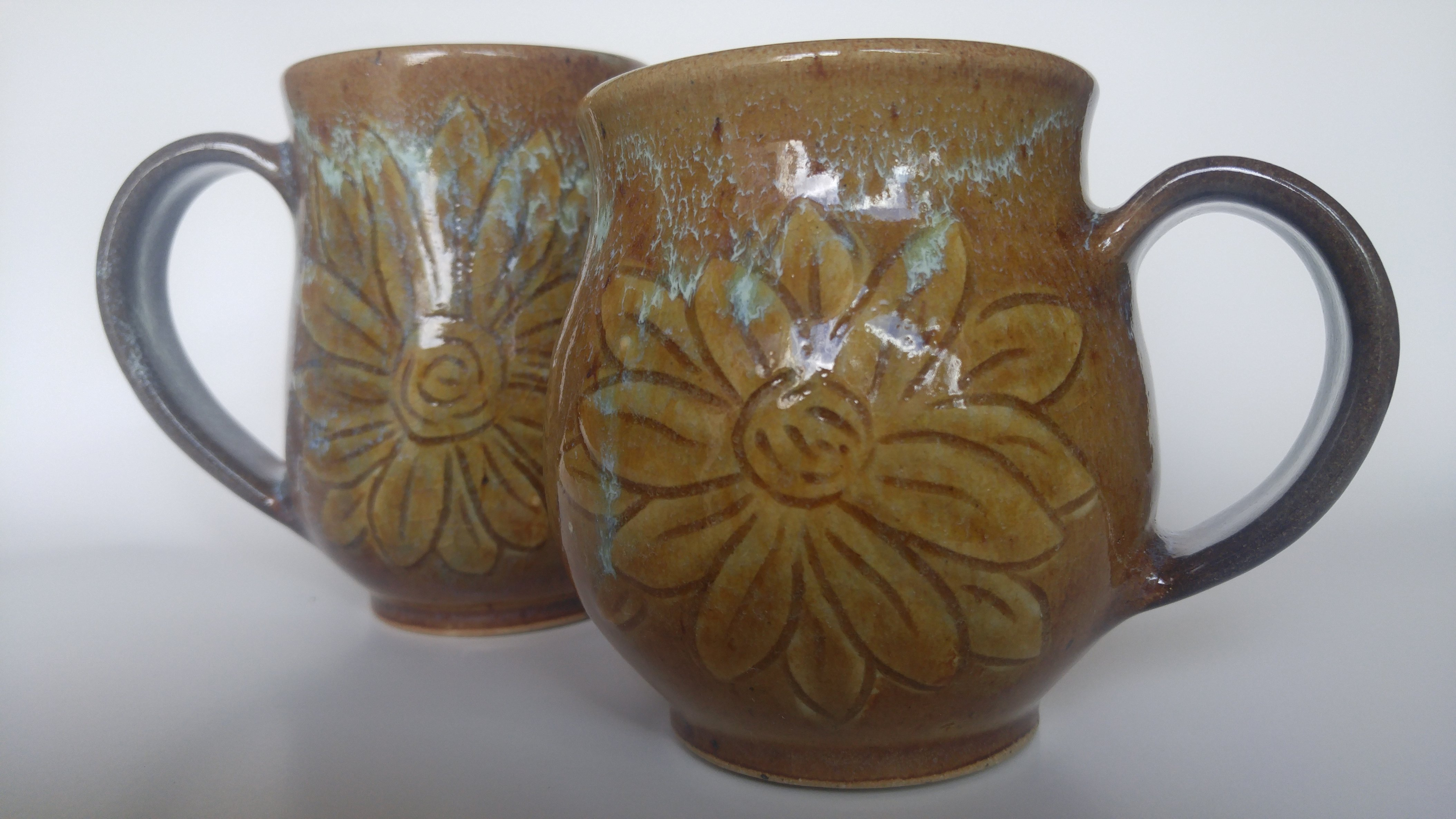 https://0901.nccdn.net/4_2/000/000/03f/ac7/Flower-Mugs-Small-4216x2371.jpg