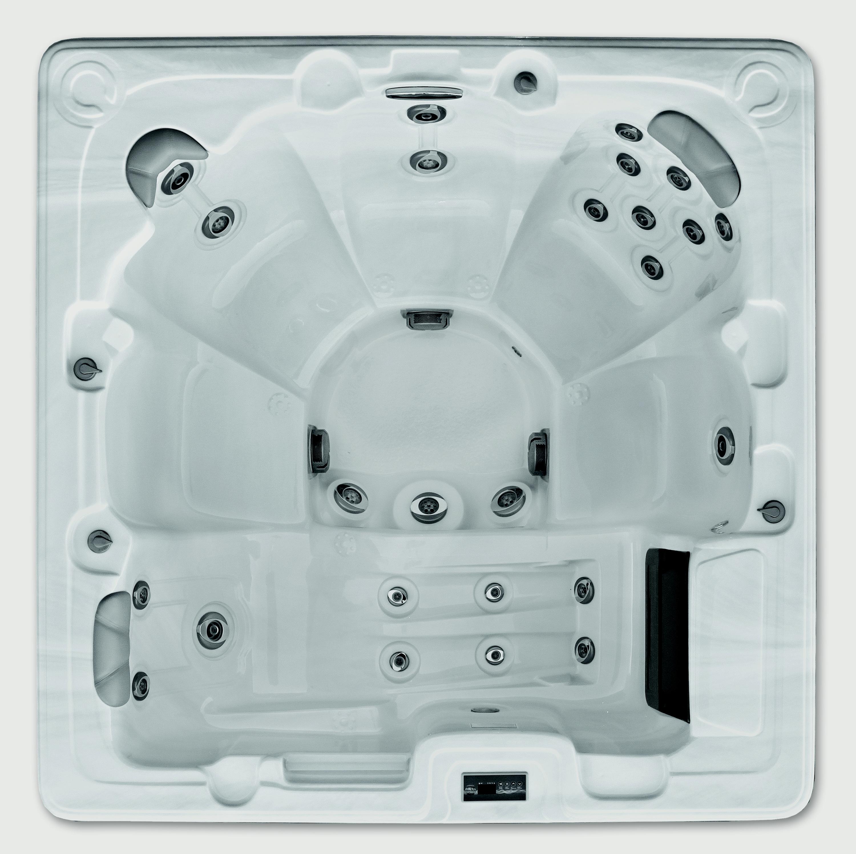AQUAMASTER Nyos Hot Tub