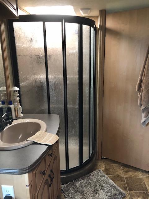 https://0901.nccdn.net/4_2/000/000/03f/ac7/Site-25-Shower.png
