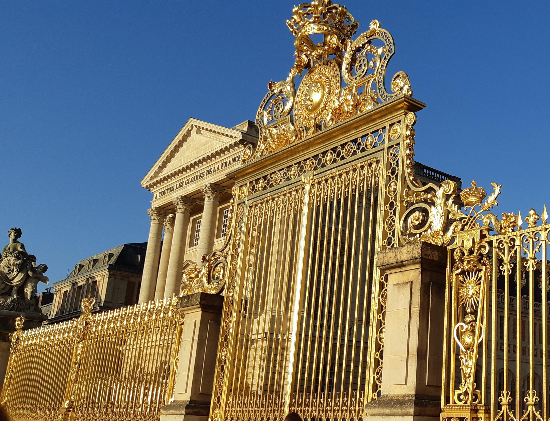 https://0901.nccdn.net/4_2/000/000/03f/ac7/Versailles-2-2716x2079.jpg