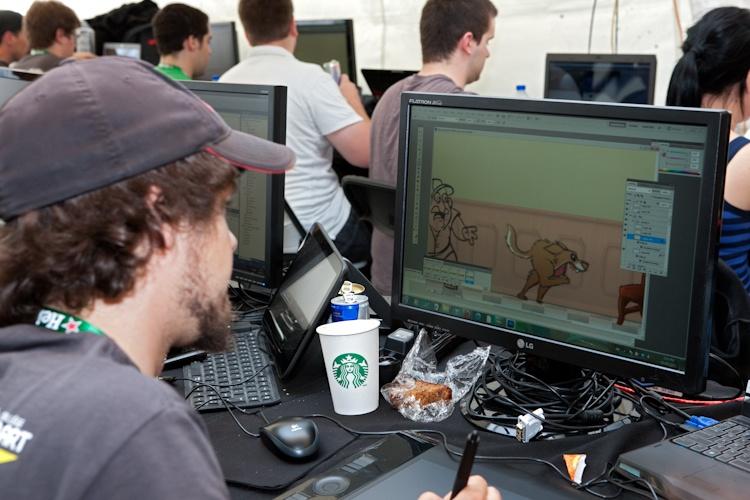 C est la fin: on  regarde les résultats,  un peu fatigué!  7 août 2011 X3087