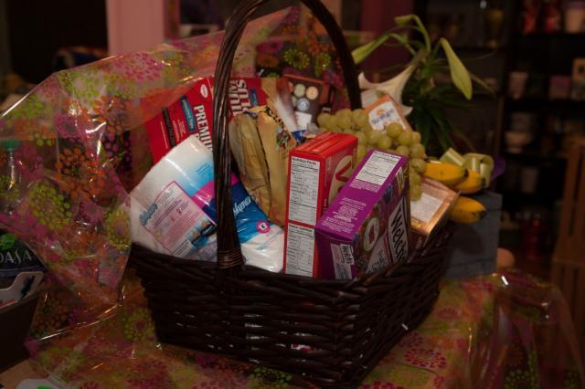 https://0901.nccdn.net/4_2/000/000/03f/ac7/lcp-gift-basket-apr3-2020-2049.jpg