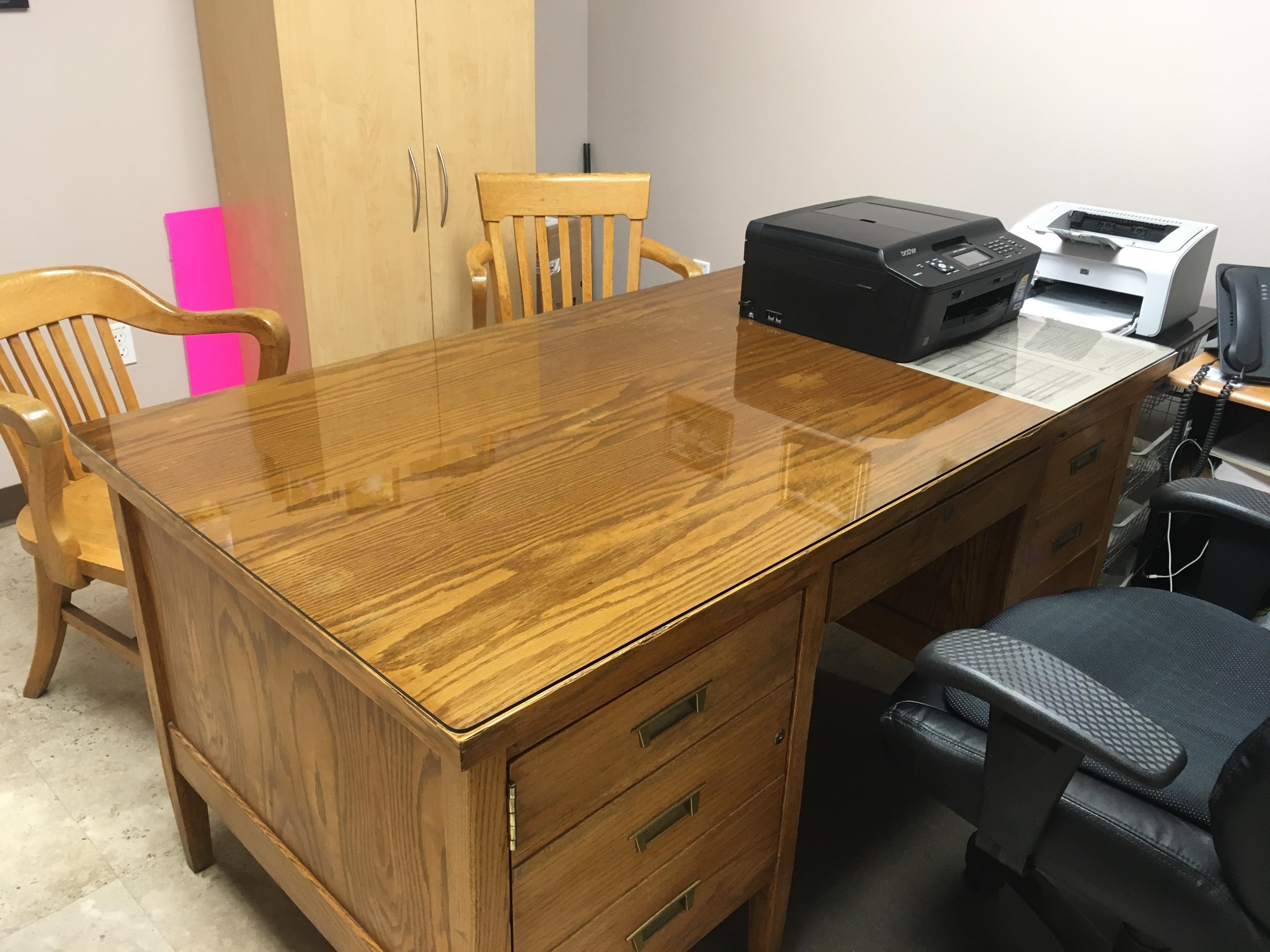 https://0901.nccdn.net/4_2/000/000/03f/ac7/office-desk-top-1.jpg