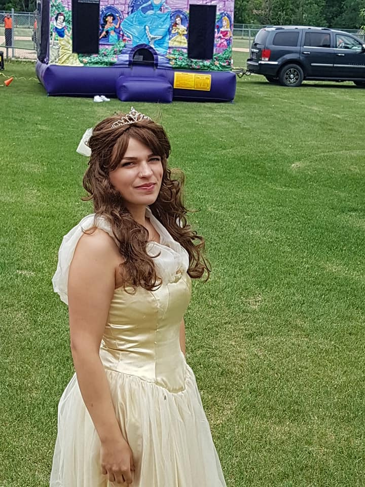 https://0901.nccdn.net/4_2/000/000/03f/ac7/princess-2-720x960.jpg