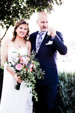 https://0901.nccdn.net/4_2/000/000/03f/ac7/wedding_flowers_port_alberni_20161115c.jpg